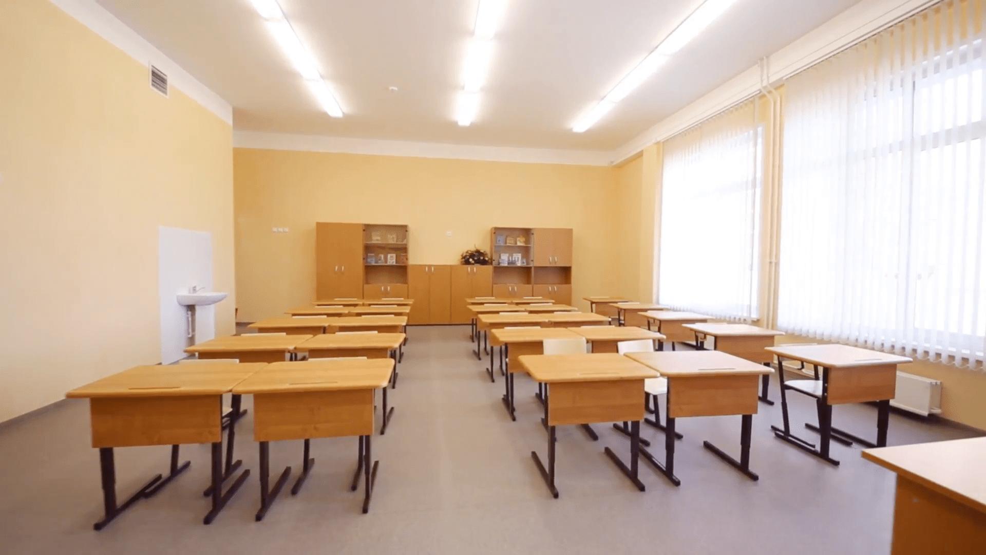 Principala cauză a abandonului şcolar: părinţilor le e prea lene să ducă copiii la şcoală