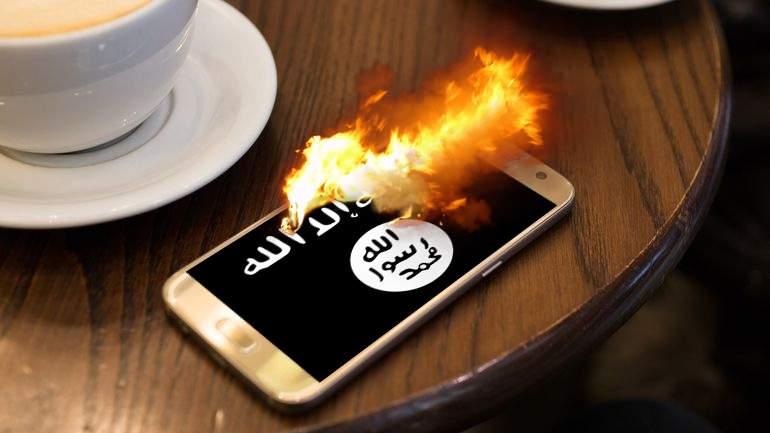 """Samsung retrage Note 7 după ce acestea au început să strige și """"Allahu akbar"""" înainte să explodeze"""