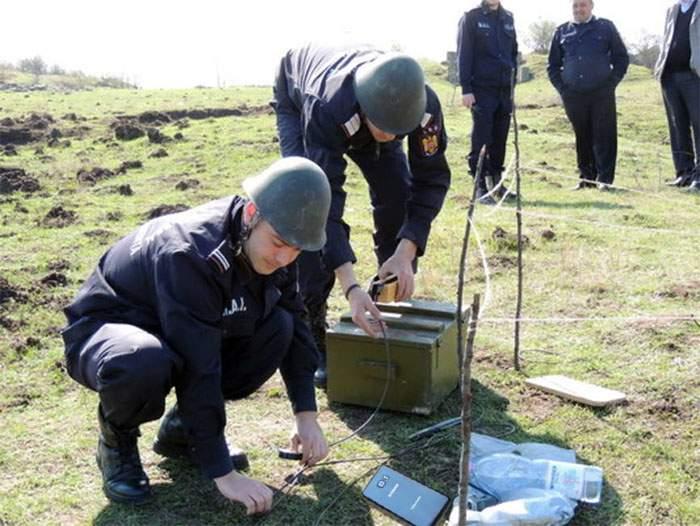 Un ţăran din Ialomiţa a găsit pe câmp un Samsung Note 7 neexplodat din 2016