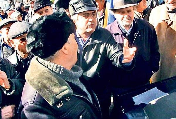 Obor: o ședință de bloc din 2009 s-a terminat ieri după ce locatarii au ajuns la un acord provizoriu
