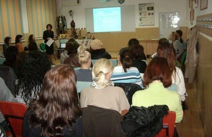 Opriți supliciul! De frica ședințelor cu părinții, românii nu mai vor să facă alți copii