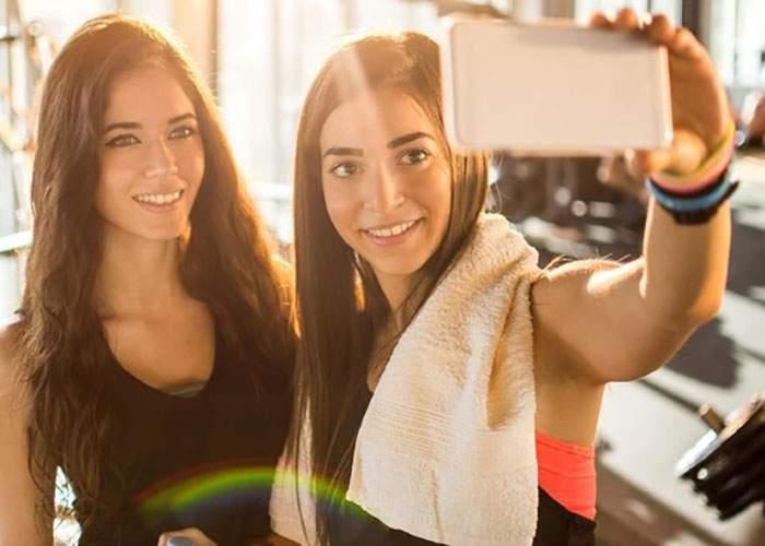 Asta înseamnă ambiţie! O femeie a postat 50 de selfie-uri la sală într-o oră de zumba