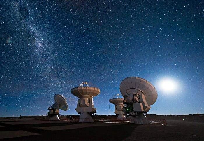 25 de semnificaţii posibile ale misterioaselor semnale radio venite din cosmos