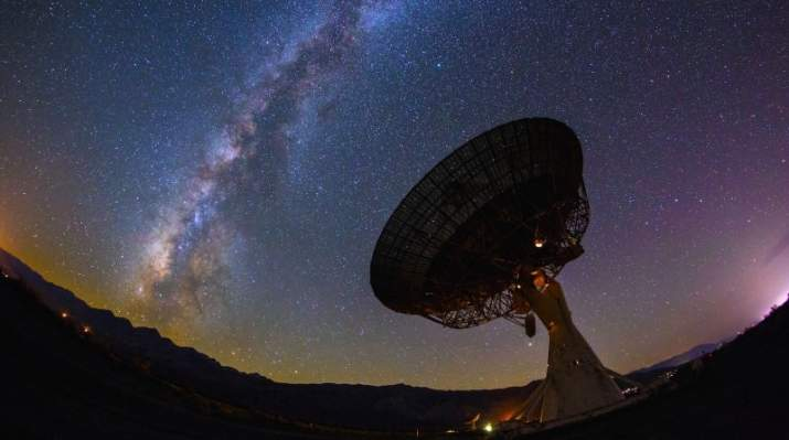 """SETI a interceptat primul mesaj din cosmos: """"Daţi bormaşinile mai încet!"""""""