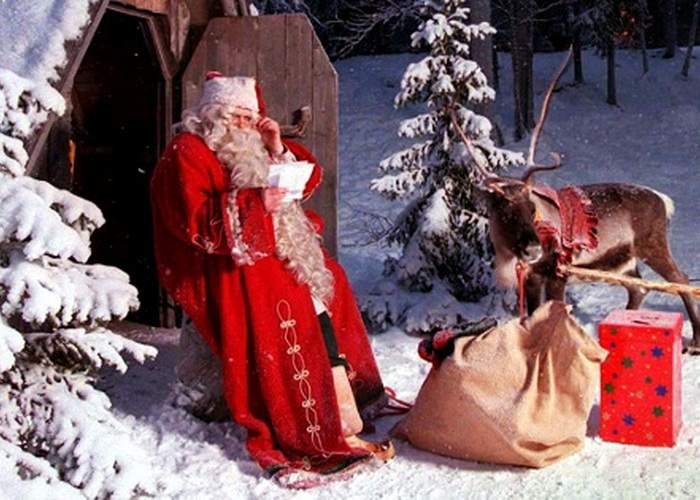 """Moş Crăciun explică de ce locuieşte la Polul Nord: """"În anunţ scria că e la 5 minute de metrou!"""""""