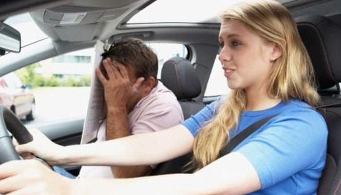 Dependent de adrenalină! Un român şi-a lăsat soţia să conducă până la munte