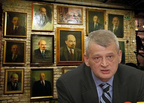 Moldovenii unionişti veniţi pe jos la Bucureşti s-au răzgândit: Primarul vostru e şi mai comunist!