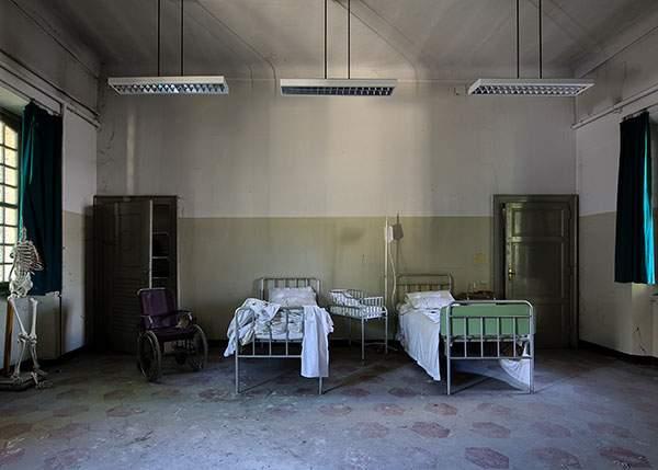 Construcţie inutilă! Până la finalizarea Spitalului Metropolitan, toți medicii români vor emigra din ţară
