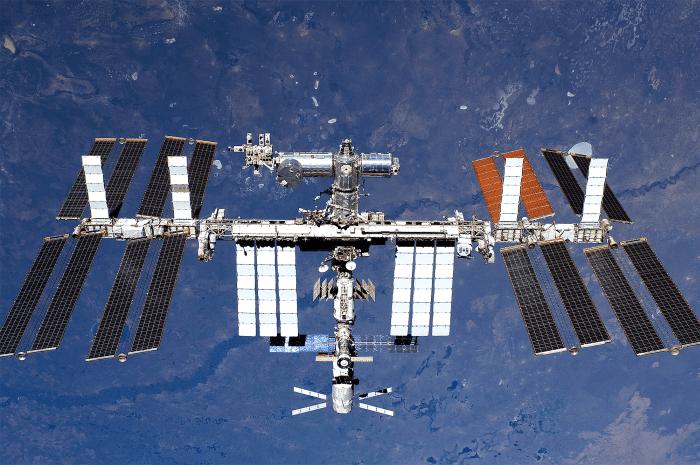 NASA, pregătită să trimită și femei în cosmos! Pe Staţia Spaţială Internaţională a fost inaugurată bucătăria