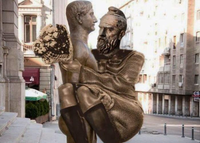 Statuia lui Traian a fost corectată: maidanezul, înlocuit cu Decebal