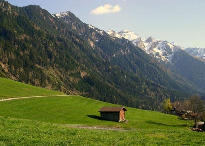 Doi tineri îndrăgostiţi au închiriat statul Liechtenstein pentru o noapte romantică