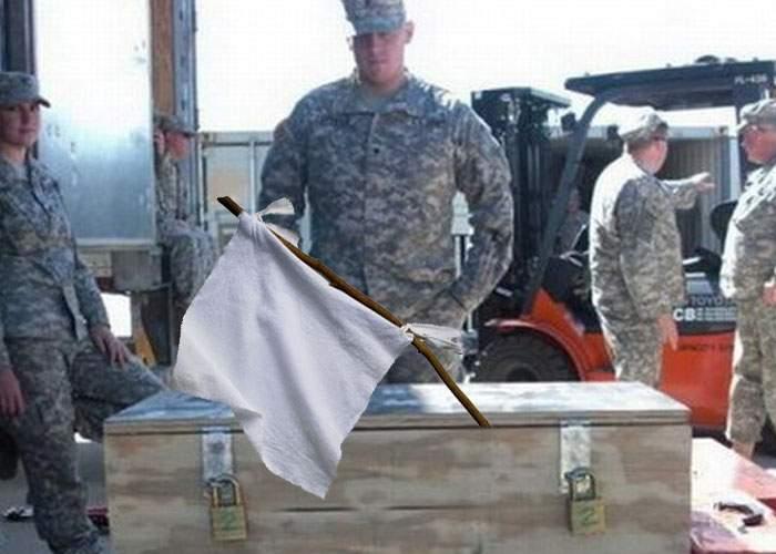 Trebuie să fie o greşeală! SUA ne-au trimis 4 TIR-uri de steaguri albe, în caz că vin ruşii
