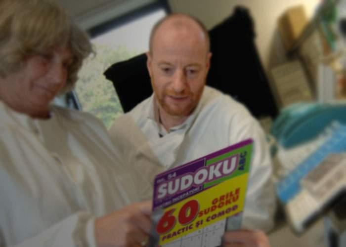 Cercetători de top din Caracal, la un pas de a termina primul lor careu de Sudoku