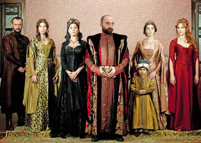 Profită de celebritate! Actorul din Suleyman Magnificul a încasat deja haraciul de la români