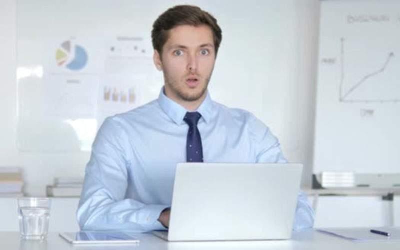 """Percheziţie la Oracle. Sute de IT-işti au închis brusc laptopurile: """"Nu mă uitam la nimic!"""""""