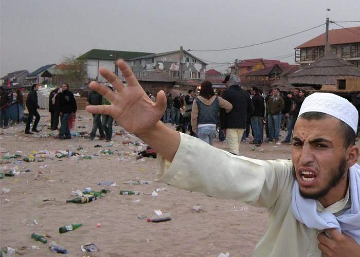 Tabăra de refugiaţi din Vama Veche nici n-a fost deschisă şi e deja rezervată de bucureşteni