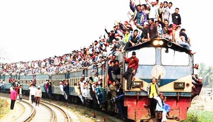 Un grup de elevi din Satu Mare a încheiat cu bine o tabără la mare: 9 zile în tren, jumătate de zi pe plajă la Năvodari