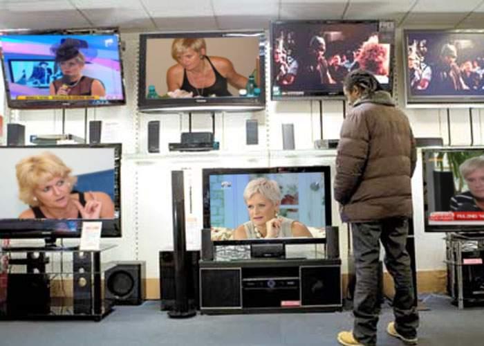 CNA îi interzice Monicăi Tatoiu să apară la mai mult de 5 posturi TV în acelaşi timp