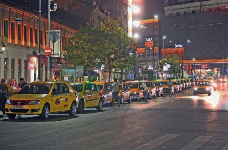 După maşinile UBER care se conduc singure, în Capitală a apărut o firmă cu taximetriști care se spală singuri