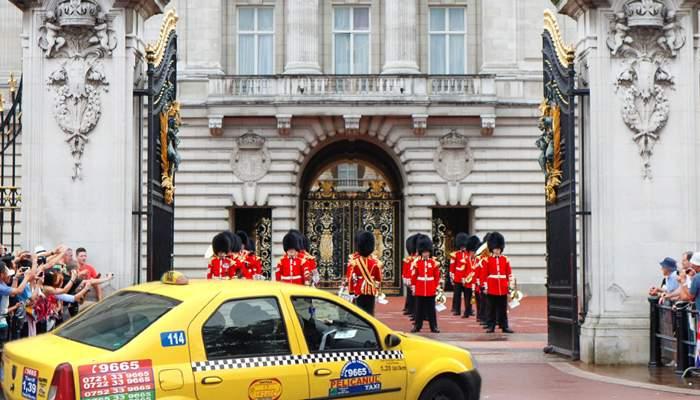 După București, ilfovenii de la Pelican Taxi au ajuns și la Londra