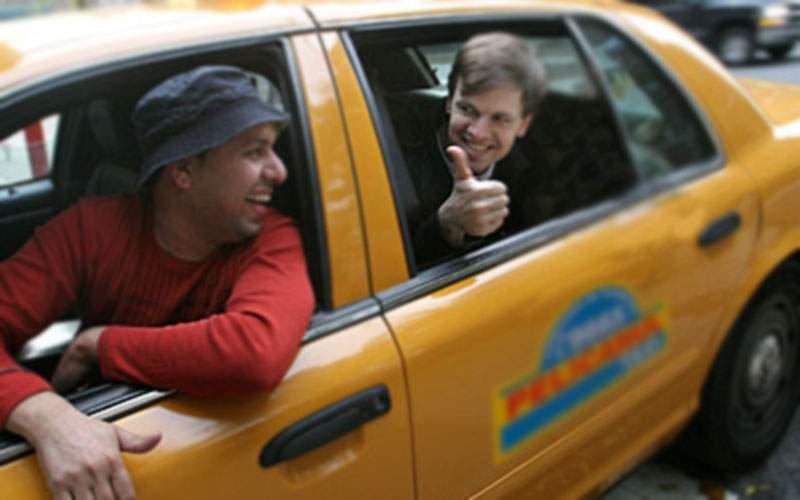 Caz unic! De 13 ani, un bucureștean prinde doar taximetriști care se retrag în zona lui
