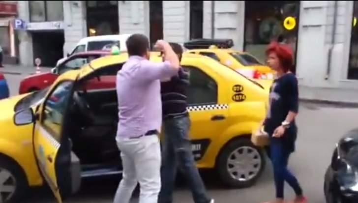 Vizită cu ghinion! Jackie Chan, bătut în faţă la Marriott de un taximetrist care nu l-a recunoscut