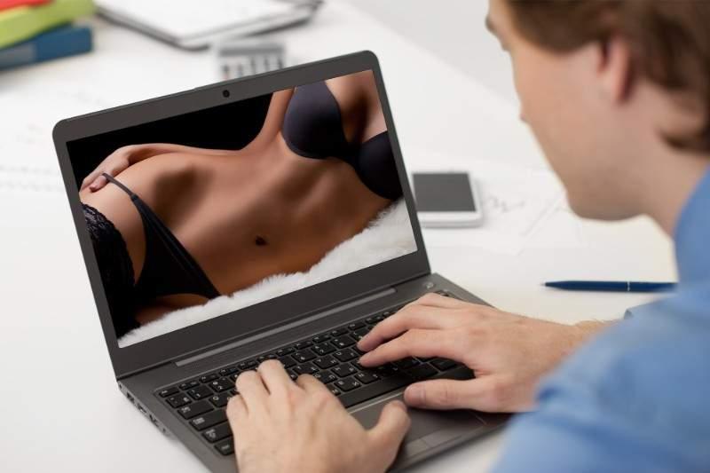 Ce înseamnă tehnologia 5G? Vei putea vedea 2 ore de porno în 45 de minute!