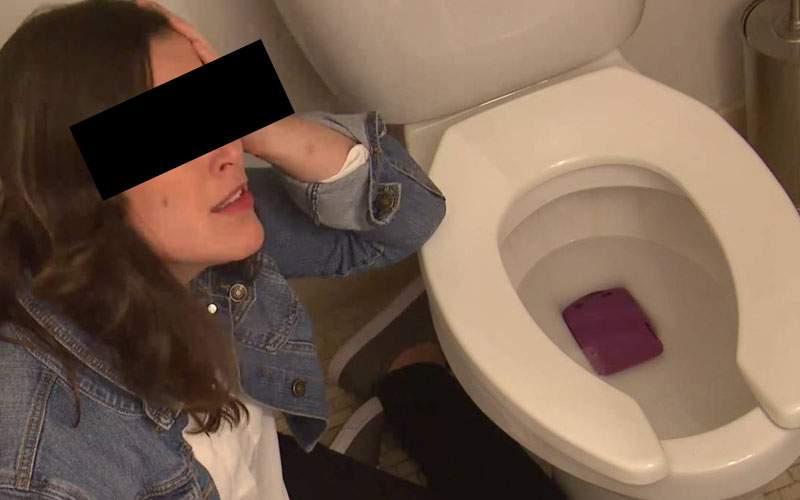 Primele rezultate ale testelor RoAlert: 3 din 10 români scapă telefonul în WC când tresar