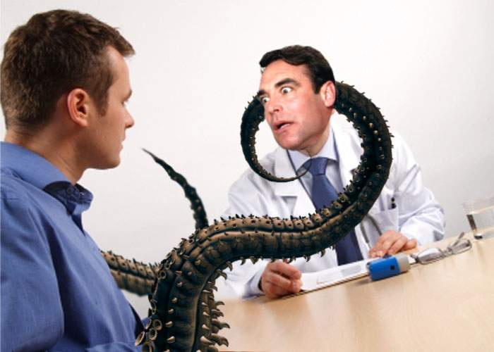 Unul din românii pe care s-au făcut experimente la Arad a strangulat un medic cu tentaculele