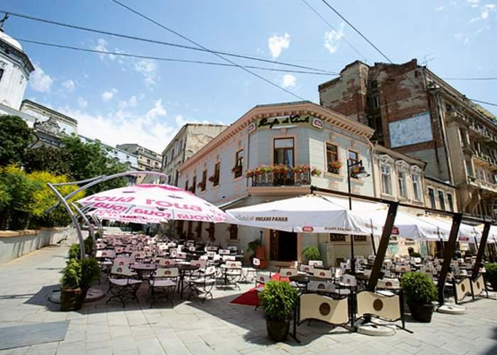 Terasele din Bucureşti se bat în oferte pentru singurii trei băutori de bere rămaşi în oraş