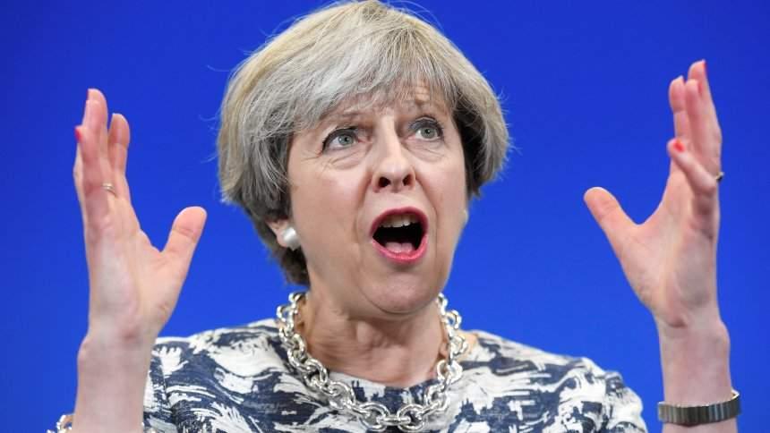 """Theresa May, demisie de onoare după ce presa a numit-o """"Dăncilă a Marii Britanii"""""""