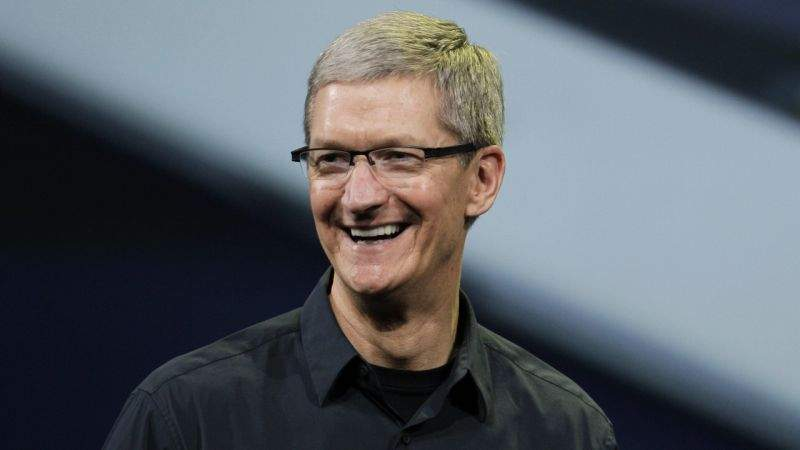 Tim Cook, CEO Apple, a recunoscut că e gay. 10 efecte ale dezvăluirii sale