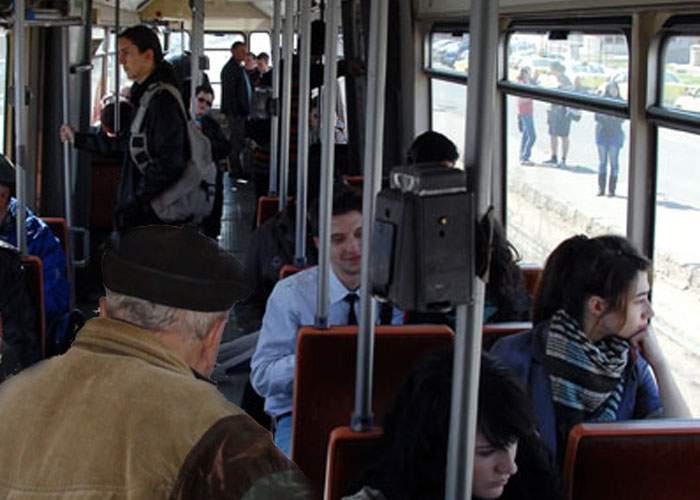 Studiu: Doar 20% dintre pensionarii care critică tineretul prin autobuze au fost şi ei tineri cândva