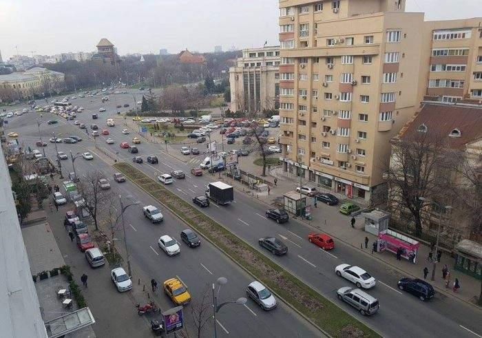 Se vede că unele firme le-au dat liber femeilor de 8 Martie. În București s-a circulat azi impecabil
