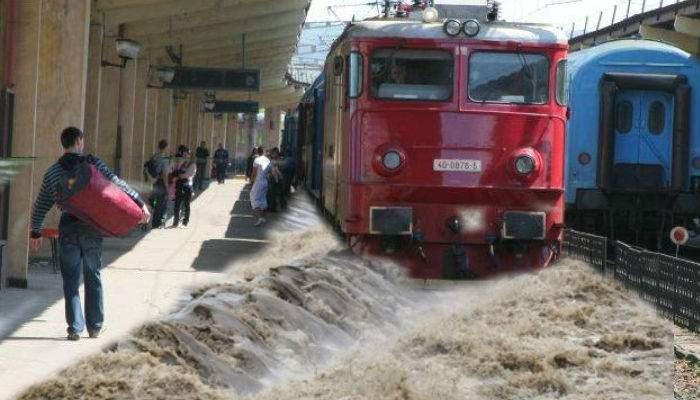 Inundații masive în Moldova. Un tren CFR a fost luat de viitură și a ajuns la timp în gară