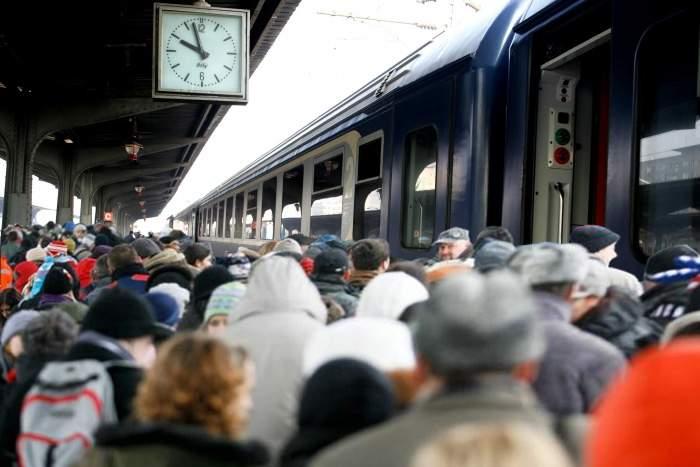 Azi pleacă din Gara de Nord ultimul tren CFR care ajunge sigur în Maramureș până de Crăciun