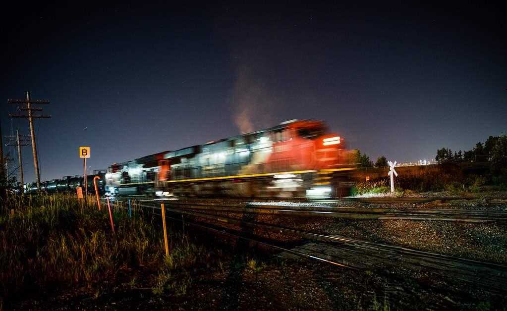 Trenul care aducea banii de la Parascheva a făcut 2 ore de la Iaşi la Bucureşti