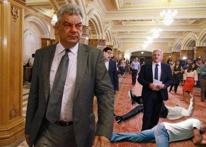 Şedinţă cu scandal la PSD. Tudose a venit beat şi i-a bătut pe bodyguarzii lui Dragnea