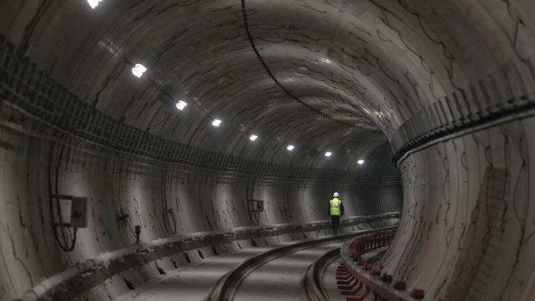Un arheolog din viitor a venit să ne întrebe de ce am făcut tunelul ăla din Drumul Taberei