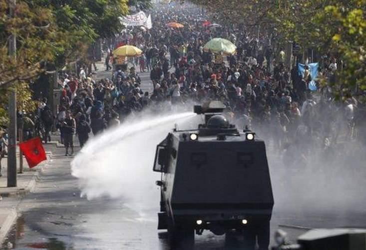 Căldură mare! Sute de mii de români se gândesc să protesteze, poate pun tunurile cu apă pe ei