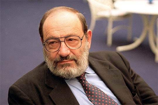 Românii se laudă pe Facebook că l-au citit pe Umberto Eco, deși majoritatea au văzut doar filmul