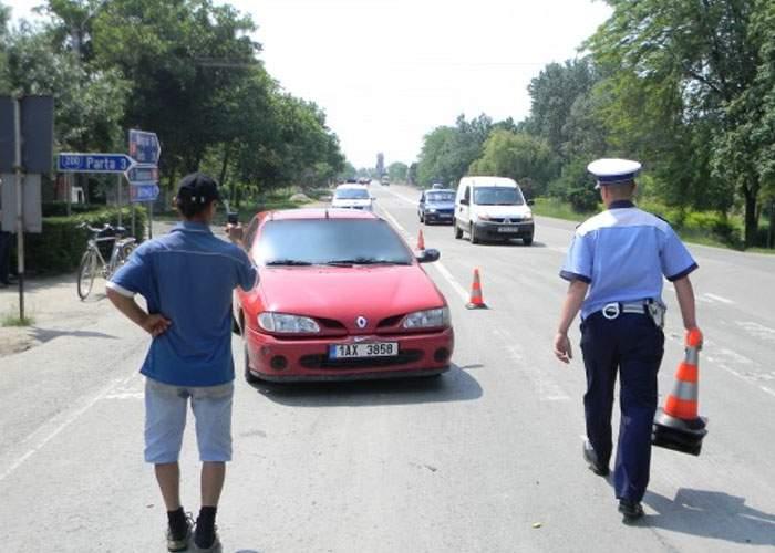 Un șofer dement și-a luat viața în piept