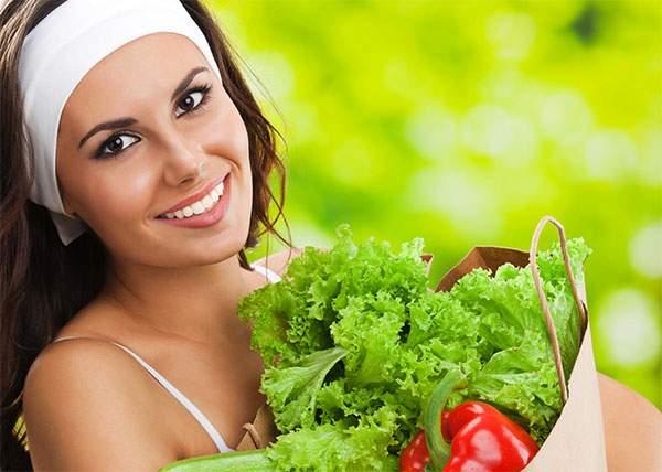 Studiu! Femeilor nu le place salata, dar nu sunt în stare să gătească altceva