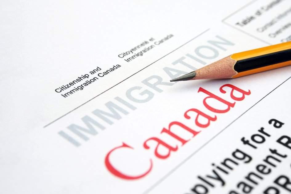 """Ambasada Canadei a eliminat din formular căsuţa cu """"Motivul emigrării"""", că îl ştie deja toată lumea"""
