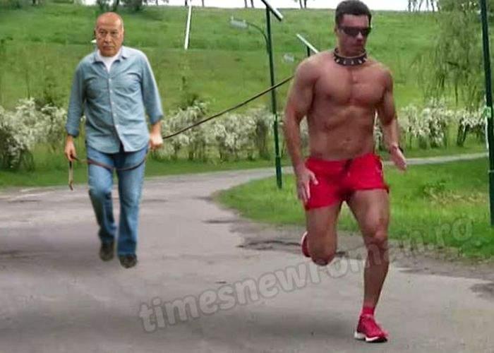 Foto! Adevărata imagine cu Mircea Badea alergând la bustul gol în parc