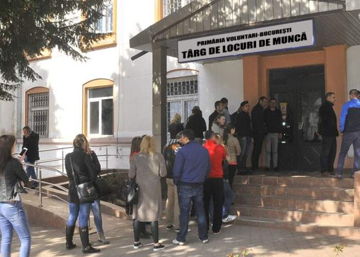Scandal la firmele Primăriei București! Zeci de candidaţi, respinşi fiindcă nu au buletin de Voluntari