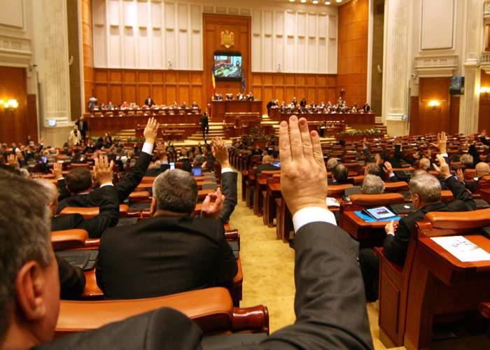 PSD, decis să implementeze Parlamentul cu 300 de membri: pleacă parlamentarii USR şi PNL!