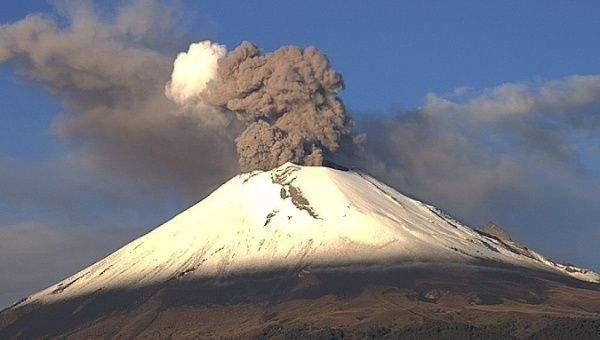 Miros insuportabil în Mexic după erupţia vulcanului Popocăcatépetl