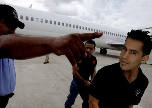 """După ce Poliţia l-a văzut la """"Dansez pentru tine"""", Wilmark a fost deportat în Columbia"""