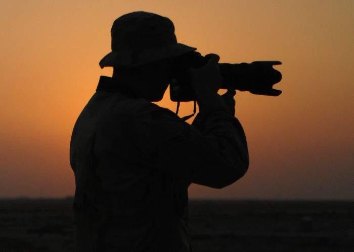 Yeti a acceptat să pozeze gol pentru o revistă de curiozități geografice